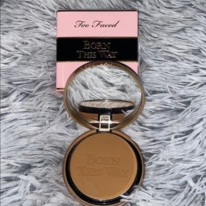 Too Faced born this way multiuse complexion powder